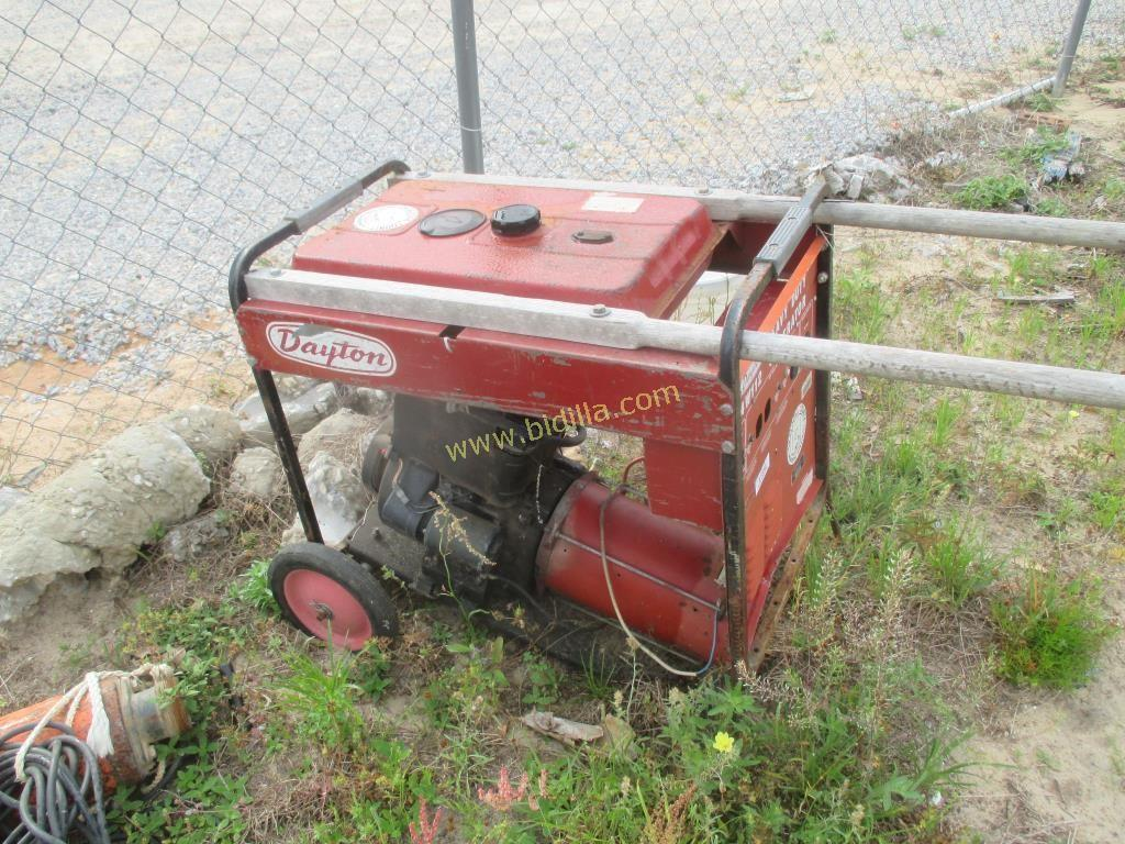 Dayton 4W112 Heavy Duty Generator