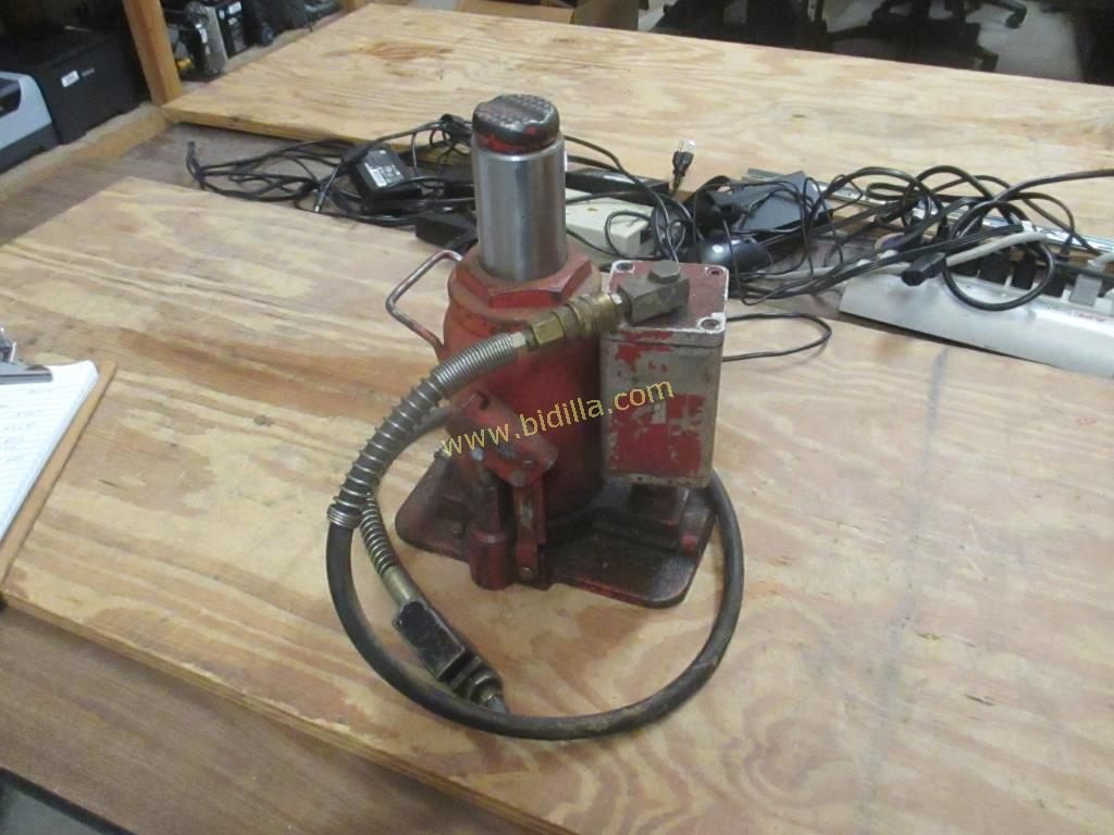 20 Ton Air/Hydraulic Bottle Jack
