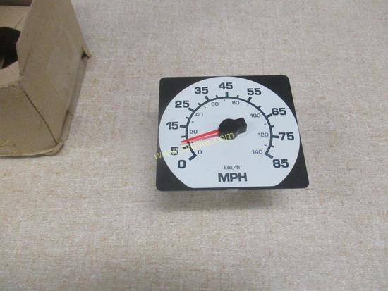 International 3553612C1 Speedometer
