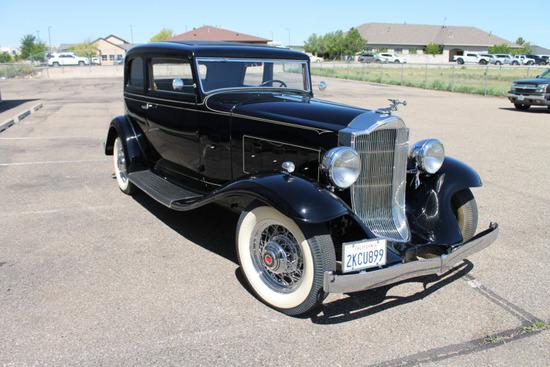 1932 Packard 900 Coupe Sedan