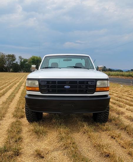 1994 Ford F150 4 x 4 Pickup