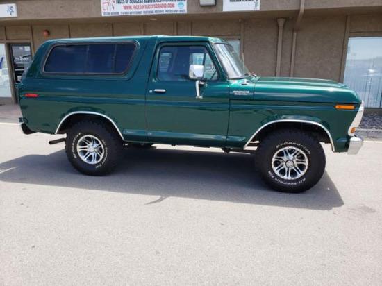1979 Ford Bronco 4 x 4