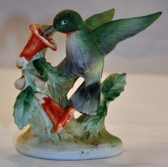 Lefton China Humming Bird KW464
