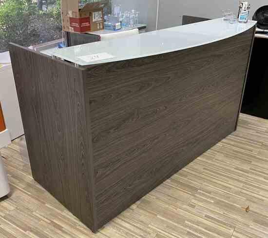 6.5' Reception Desk                                                   R1