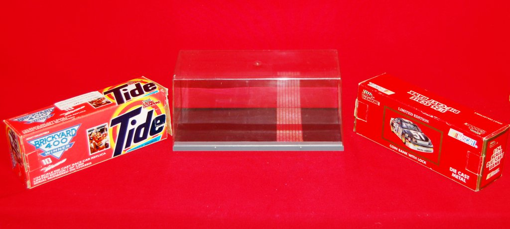 Ricky Rudd 1992 & 1997 Cars & Display