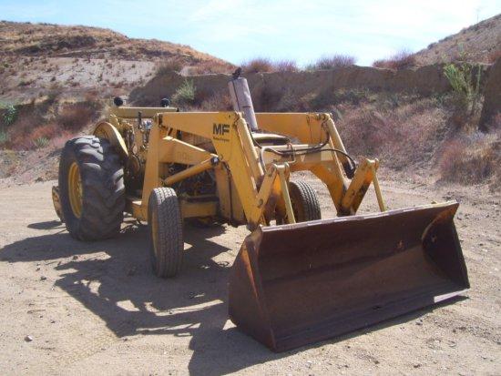 Massey Ferguson 30B Skip Loader,   Heavy Construction