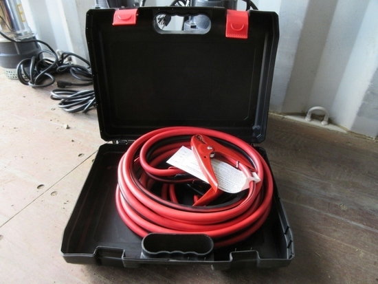 Unused 25' 800AMP Extra Heavy Duty Booster Cables.