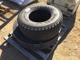 33 X 12.5 Tire & 275/80 R22.5 Tire.