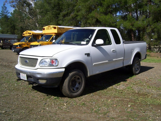 Ford F150XL Extended Cab Pickup,