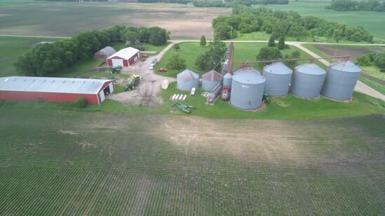 Large Acreage wMachine sheds & 394,000Bu Grain Storage