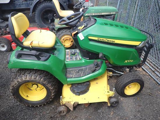 John Deere X570 Lawn Tractor