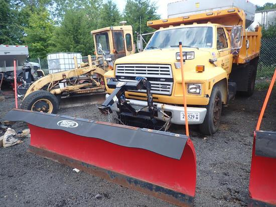 1993 Ford F700 Diesel Snow Removal Dump Truck