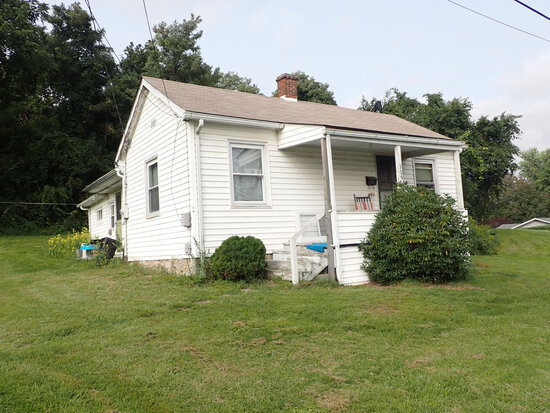 Quaint Investment Property Located in Town