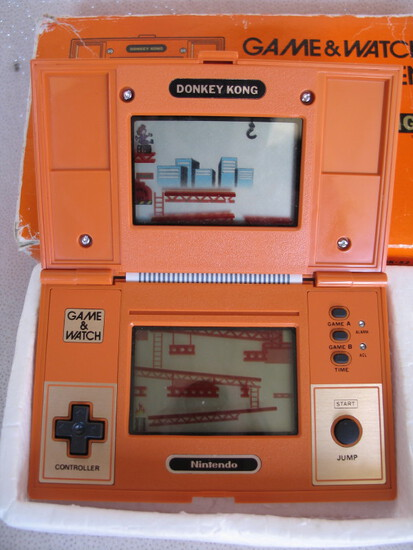 "Boxed Nintendo ""Donkey Kong"" Game & Watch B-52 multi screen c1982. Works pe"