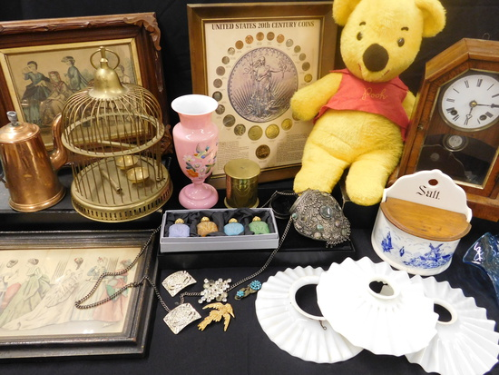 Vintage Collectible Box Lot Auction