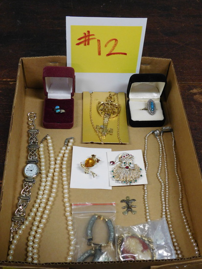Costume Jewlery Lot