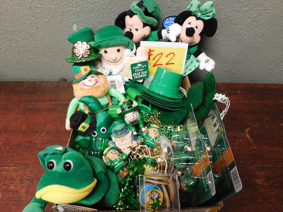 St. Patricks Day Decoration Box Lot