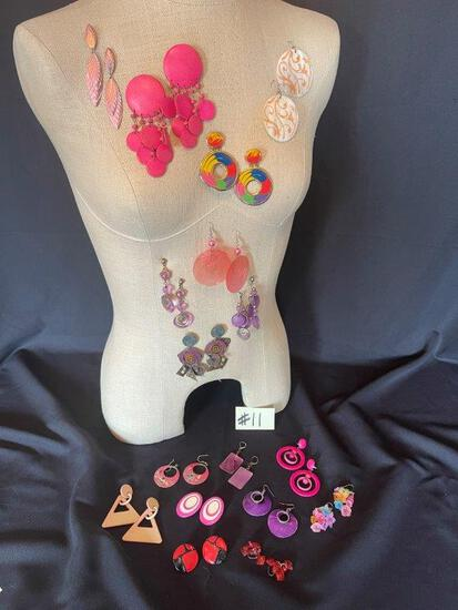 LARGE LOT OF NEON AND BRIGHT COLORED EARRINGS,