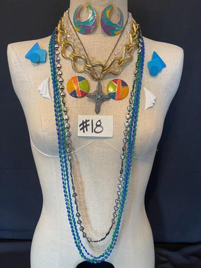 BRIGHT EARRINGS AND NECKLACES