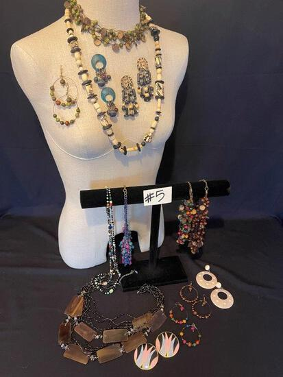 BEADED NECKLACE AND EARRINGS,