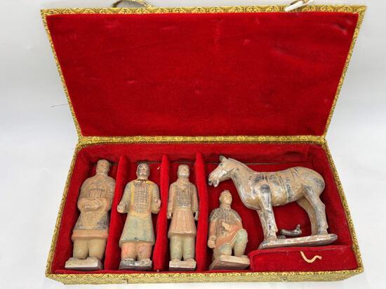 CERAMIC ASIAN FIGURES IN BOX