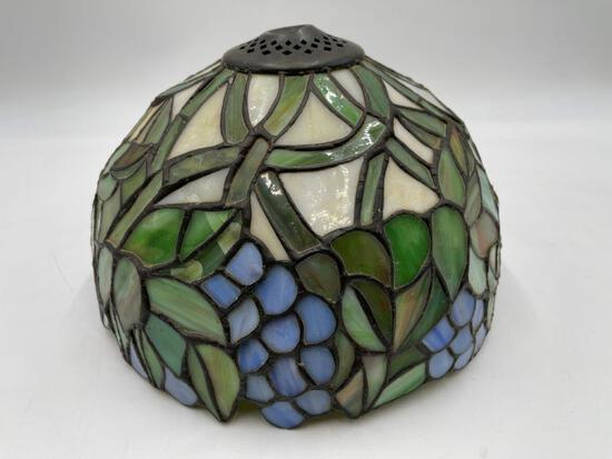 STAINED GLASS GRAPE DESIGN LAMP SHADE