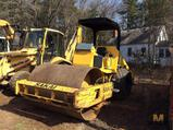 2000 Sakai SV400D Vibratory Compactor, 1020.4 hours, 66 inch Drum, s/n 10119.  SEE VIDEO!