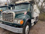 2005 Mack CV713, sn 1M2AG11C65M035670
