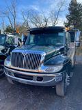 2005 international 4300 4X2 Service truck, diesel motor, 6 speed trans, air brakes, aluminum wheels,