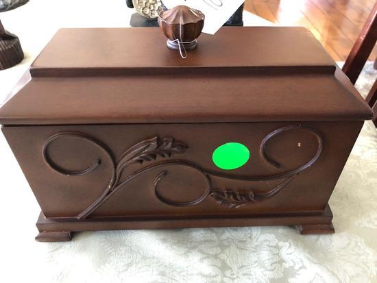 "11"" x 5"" x 7""  Wooden Jewelry box"