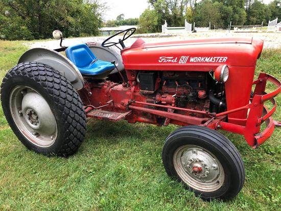 Ford 601 Workmaster tractor, 3,127 hours, Gas motor, runs well