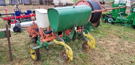 2 row corn planter, 6 1/2 ft. Wide 36 in spacing