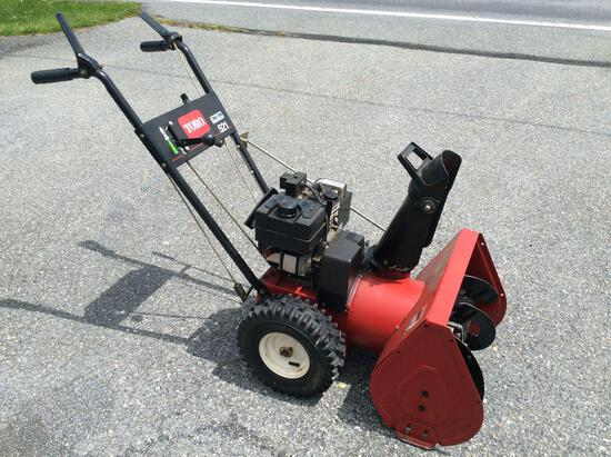 Toro 521 snowblower with electric start good running condition