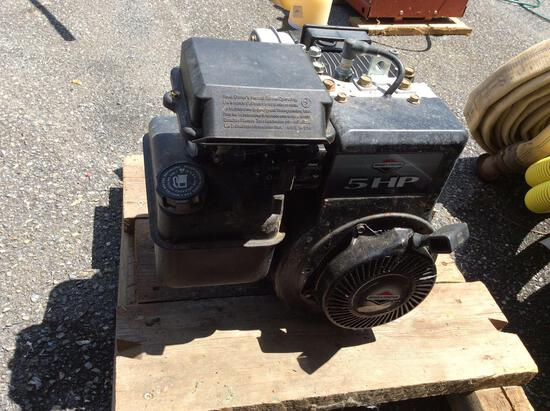 Briggs & Stratton 5 HP engine with 2in Pacer trash pump, good condition