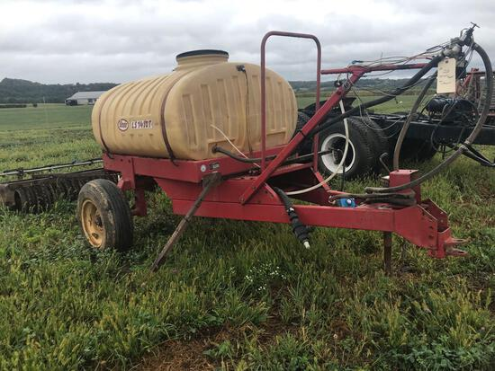 Vicon 300 gal sprayer tank and chassis