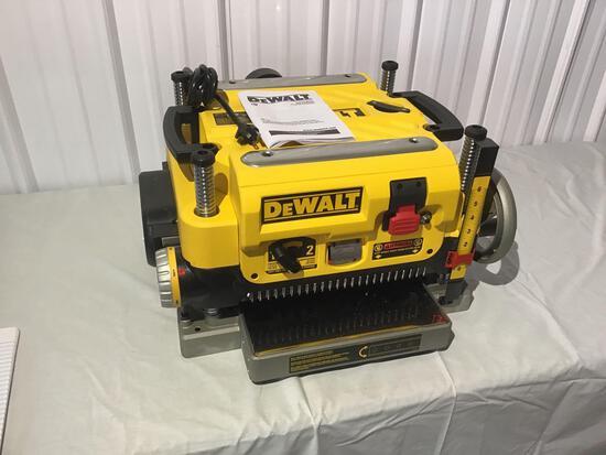 New Dewalt wood planer DW735