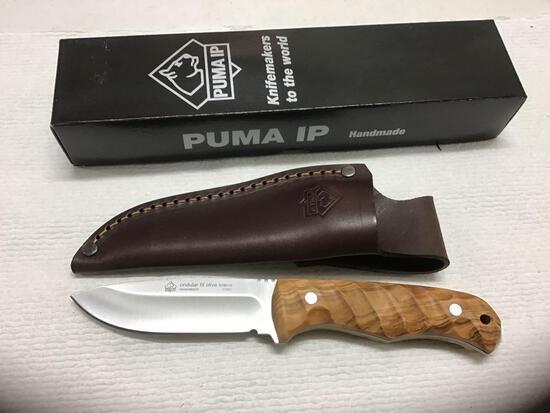 Puma knife with leather sheath