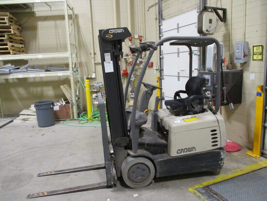 Crown Sit Down Forklift - SC4000 Series