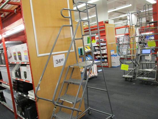 5 Step Rolling Step Ladder