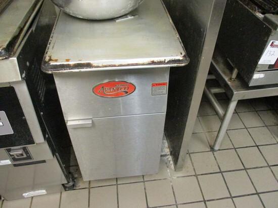 Avantco - Single Basket Deep Fryer
