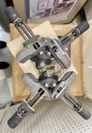 Iron Corner - Frame Clamp