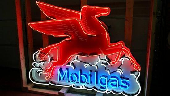Mobilegas Neon Sign