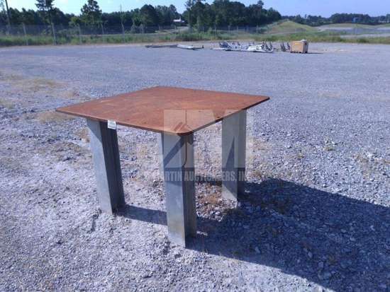 METAL FAB TABLE , QTY (1 EACH ), CONDITION UNKNOWN/AS