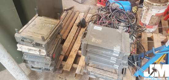 PALLET OF LOW BAND COMPANY RADIOS, AMPLIFIERS, SPEAKERS, ANTENNAS
