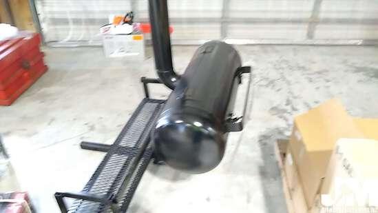BUMPER HITCH GRILL, W/ NEW 20 QUART PELICAN COOLER, ***COOLER