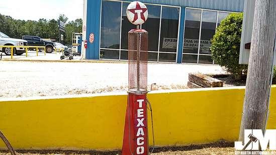 TEXACO METAL PUMP