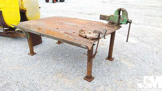 STEEL SHOP TABLE W/VISE & PIPE VISE
