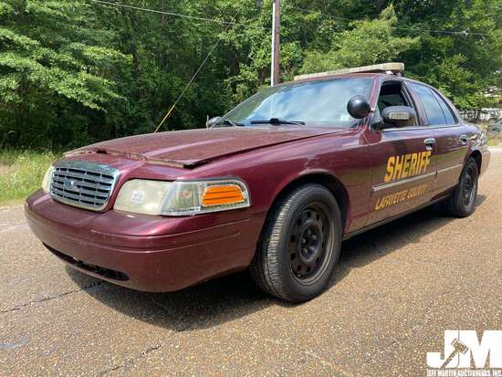 2010 FORD CROWN VICTORIA VIN: 2FABP7BV2AX111499 4-DOOR SEDAN