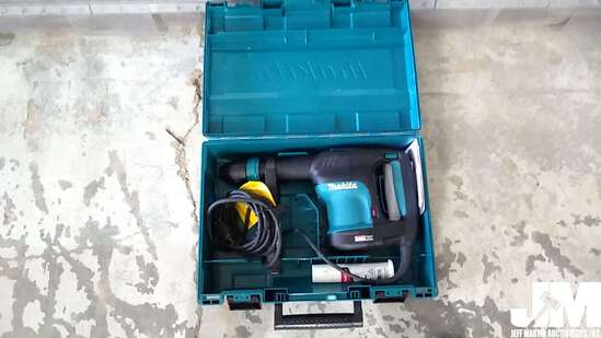 (RECONDITIONED) ELECTRIC MAKITA HAMMER DRILL
