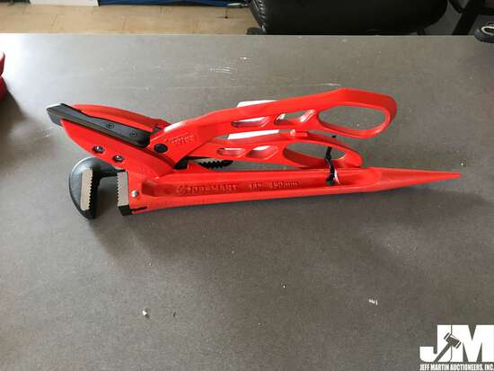 """13"""" METAL SNIPS, 18"""" PIPE WRENCH"""